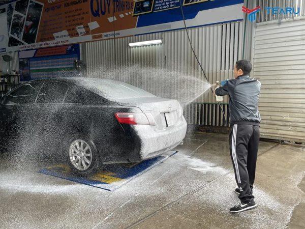 Cách sử dụng cầu nâng 1 trụ rửa xe ô tô đúng kỹ thuật