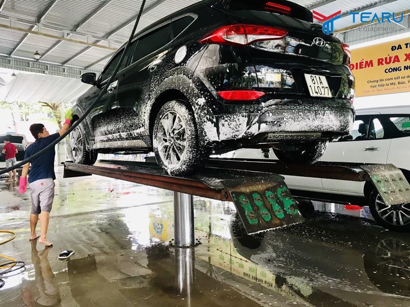 Cầu nâng 1 trụ rửa xe Ấn Độ TEGORE bàn nâng nổi