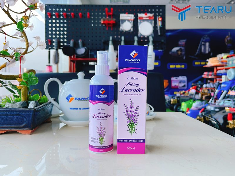 Chai tinh dầu xịt thơm xe ô tô hương lavender