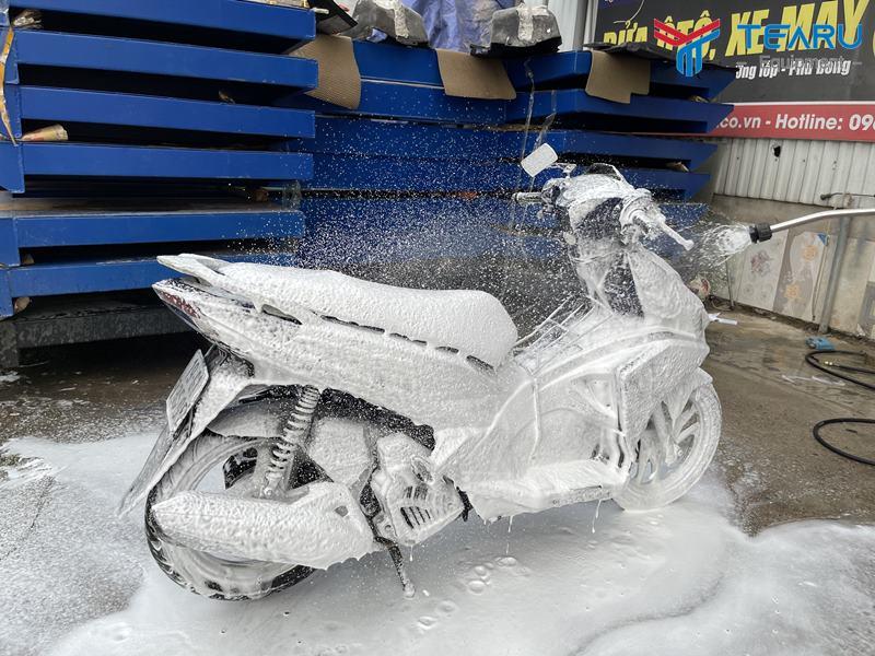 Vận hành máy rửa xe bọt tuyết