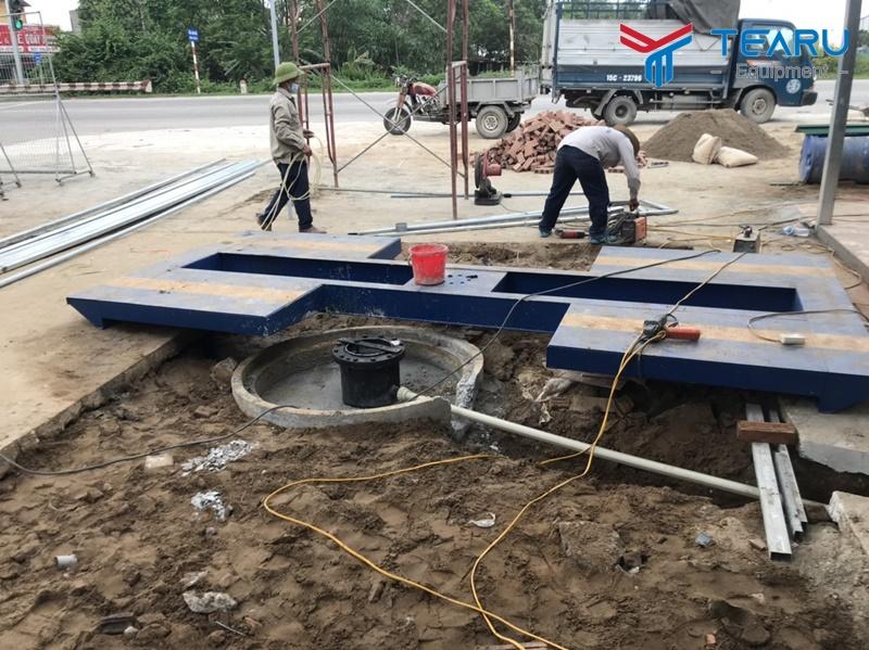 Nên lắp cầu nâng 1 trụ rửa xe âm nền hay nổi mặt nền?
