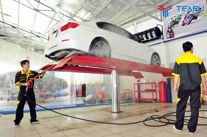 Giá cầu nâng rửa xe ô tô 1 trụ thủy lực bao nhiêu tiền?