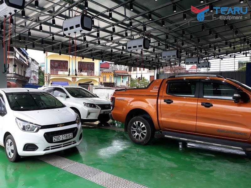 Mặt bằng rửa xe phải có diện tích đủ rộng, thoáng và có chỗ đậu xe