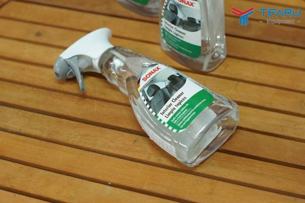 dung dich ve sinh noi that xe sonax car interior cleaner 2