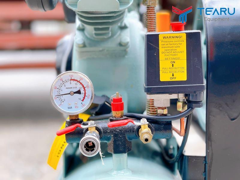Hệ thống van và đồng hồ đo áp