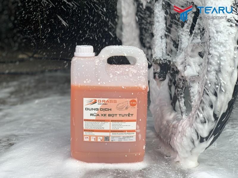 Nước rửa xe bọt tuyết