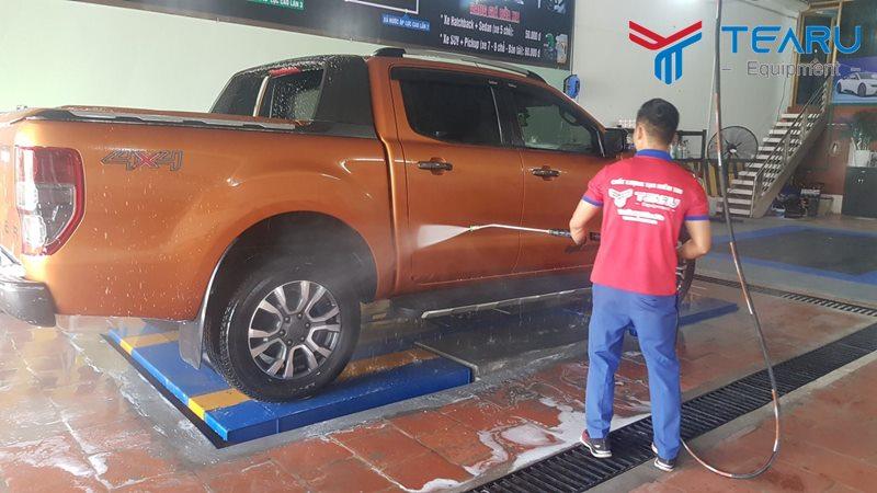 Hướng dẫn quy trình rửa xe chuyên nghiệp