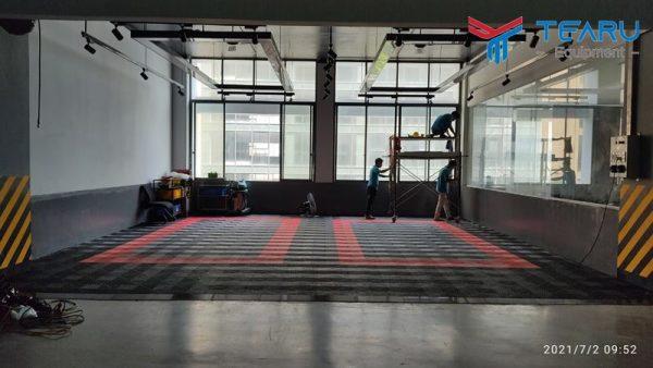 Lắp đặt tấm lót sàn cho Toyota Thanh Xuân ở Thanh Xuân - Hà Nội