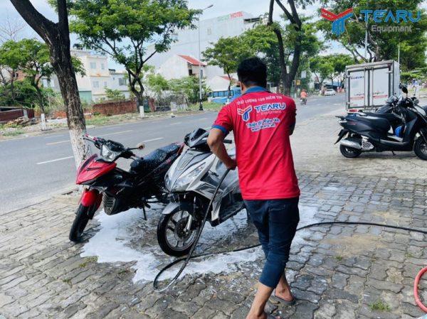 Mở tiệm rửa xe máy cần bao nhiêu vốn?
