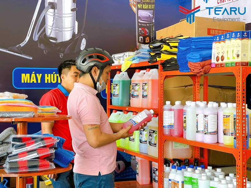Nên chọn đơn vị uy tín khi mua hóa chất rửa xe không chạm