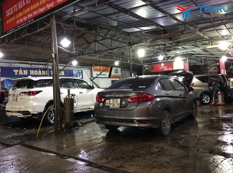 Không rửa xe trong điều kiện thiếu sáng