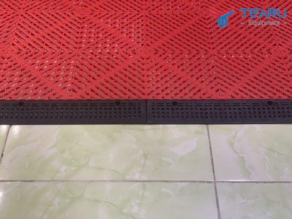 thanh doc cua tam lot san rua xe pp floor tile 2