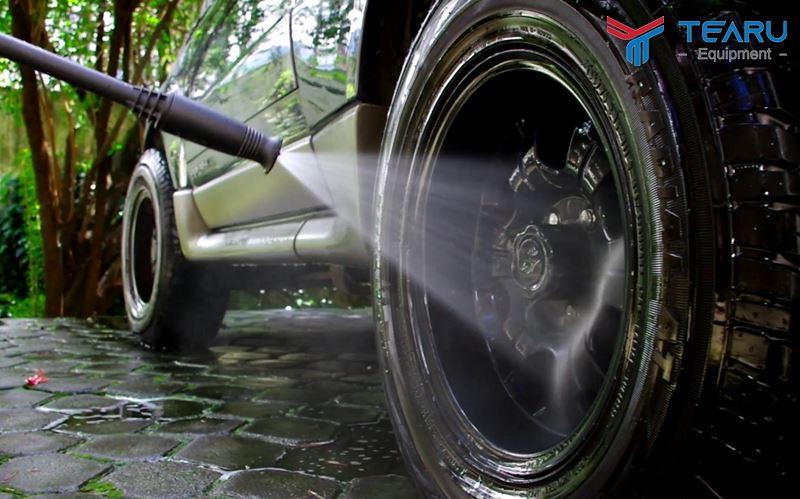 Cần chú ý làm sạch phần lốp xe