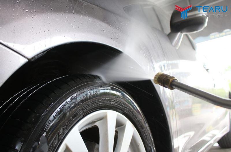 Làm sạch bánh xe