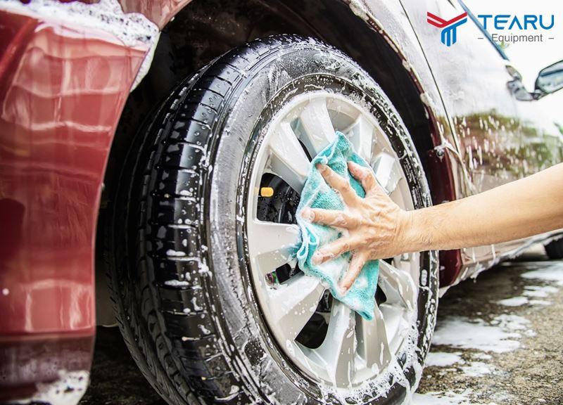 Nên rửa xe ô tô định kỳ