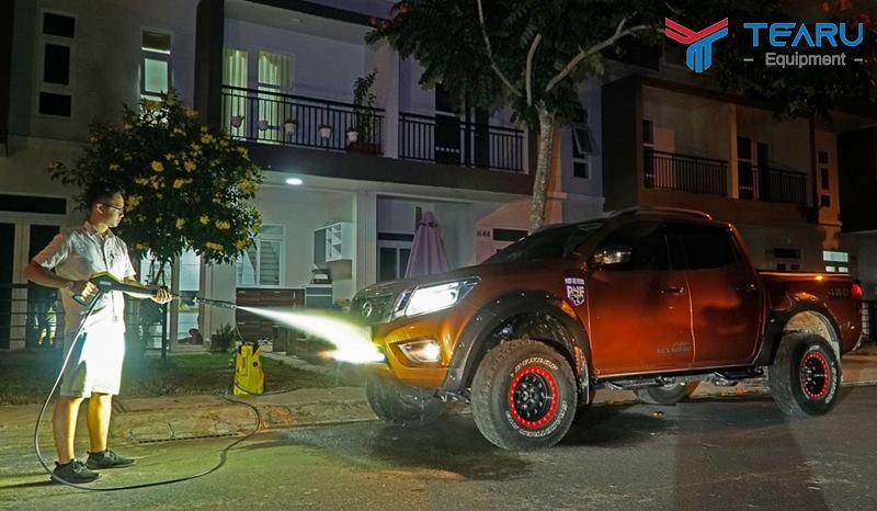 Nếu không có thời gian ban ngày hãy rửa xe ban đêm