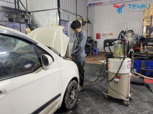Máy hút nhớt ô tô chuyên hút dầu nhớt thải xe