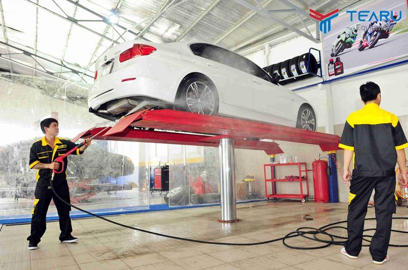 Chú trọng cầu nâng đối với tiệm rửa xe
