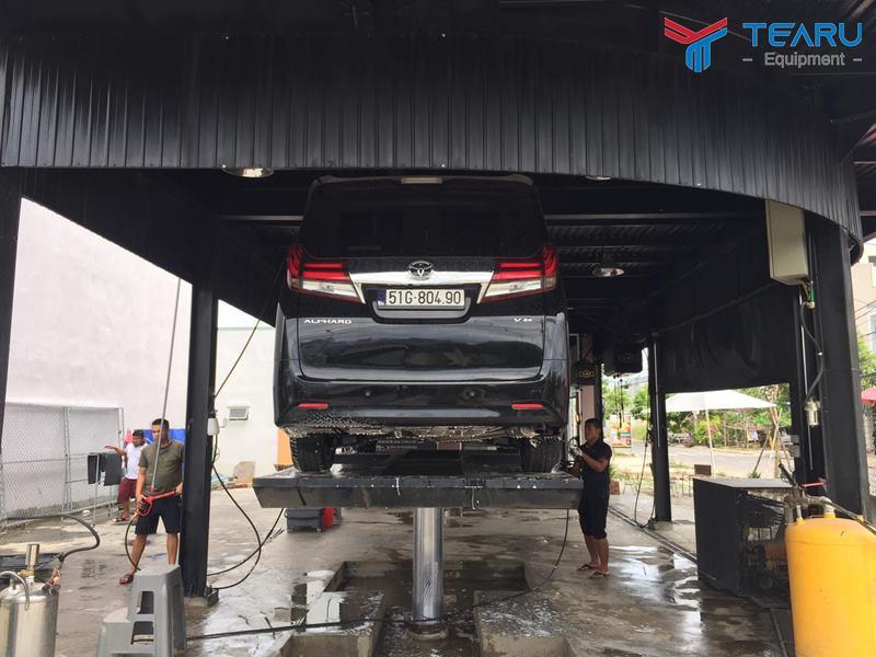 Nhân viên rửa xe luôn đóng vai trò chủ đạo