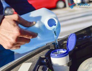 Cách pha nước rửa kính ô tô khá đơn giản