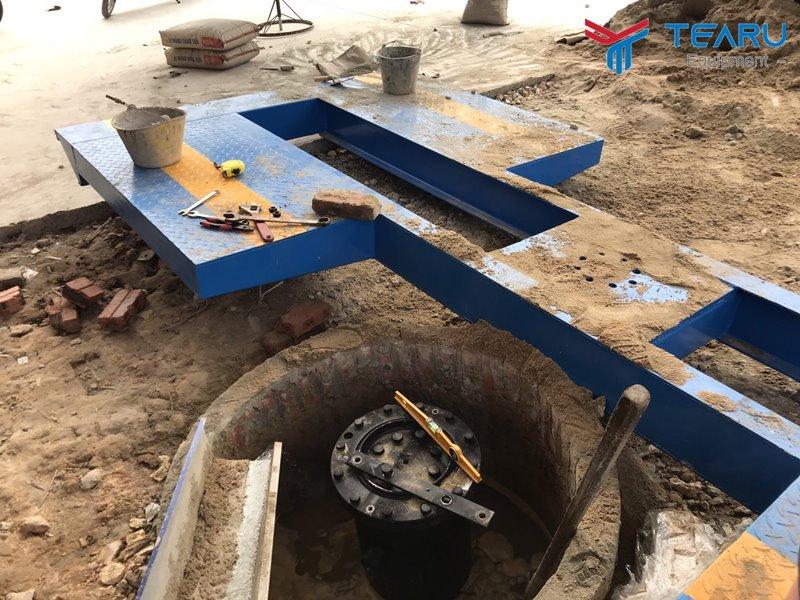 Lắp ty ben và bàn nâng cầu 1 trụ