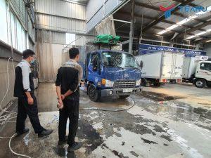 Nên nên rửa xe bằng dung dịch gì thì tốt?